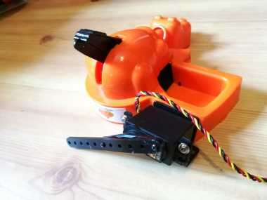 Hungry Hippo with servo and horn